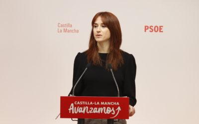 """López critica que el PP pida cada día un destino diferente para el IVA y se pregunta si van a acabar pidiéndolo para """"sobres y sobresueldos""""."""