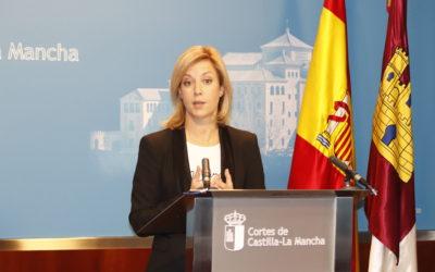 Abengózar denuncia las «mentiras» del PP y explica que se iguala la ley regional a la estatal en la carrera profesional de los empleados públicos